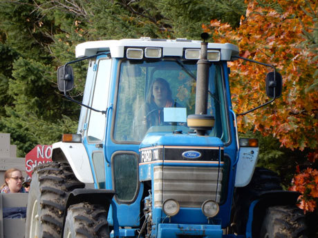 Swan's Pumpkin Farm in Racine County - Tractor Drawn Hayrides